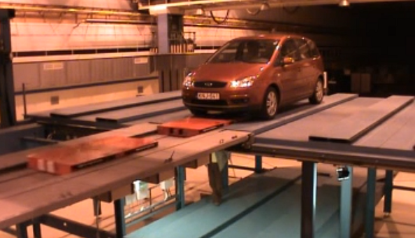 DSS Trayless Shuttle Parking System
